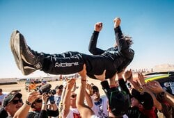 """Po finišo į orą mėtytas B.Vanagas: """"Dakaras yra klastingas iki pat pabaigos"""""""