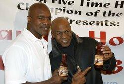 """E.Holyfieldas sutinka per 2 dienas pasiruošti kovai su M.Tysonu: """"Kovočiau už 25 mln. JAV dolerių"""""""