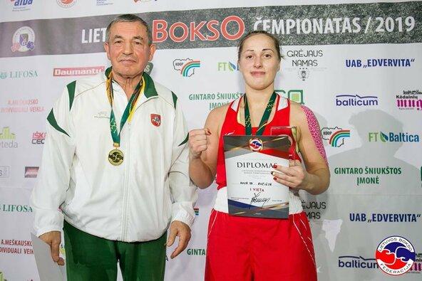 Austėja Aučiūtė su treneriu Vincu Murausku