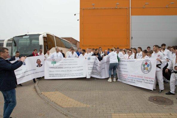 Lietuvos dziudo čempionate – masinis protestas prieš federacijos prezidentą