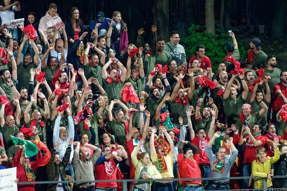 Portugalijos rinktinės sirgaliai LFF stadione