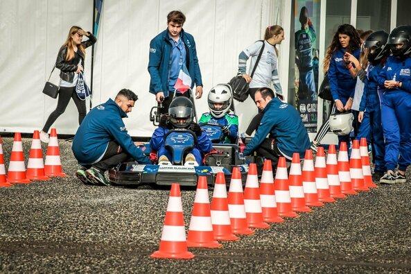 """""""FIA Motorsport"""" žaidynėse lietuviai susipažįsta su trasa ir konkurentais"""