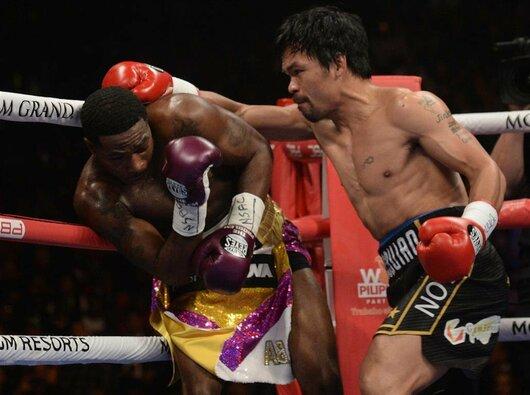 Manny Pacquiao prieš Adrieną Bronerį