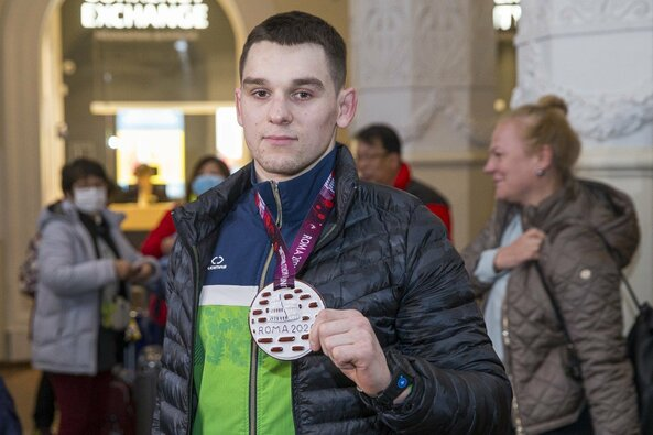 Kristupas Šleiva grįžo su Europos imtynių čempionato medaliu