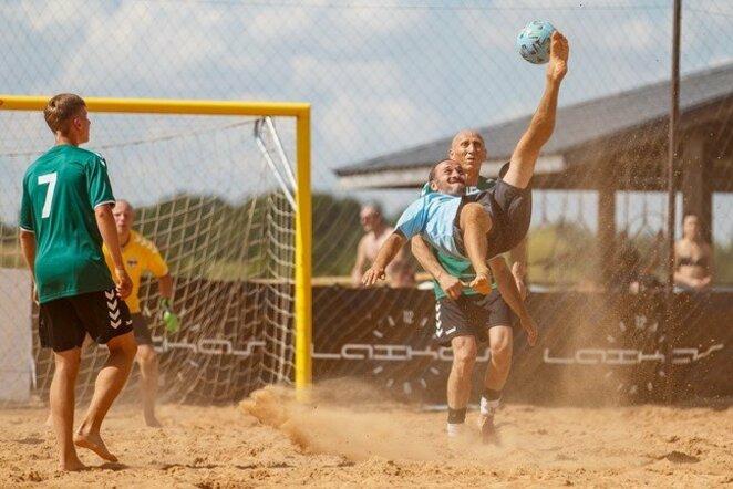 Paplūdimio futbolo čempionato akimirka | Elvio Žaldario nuotr.