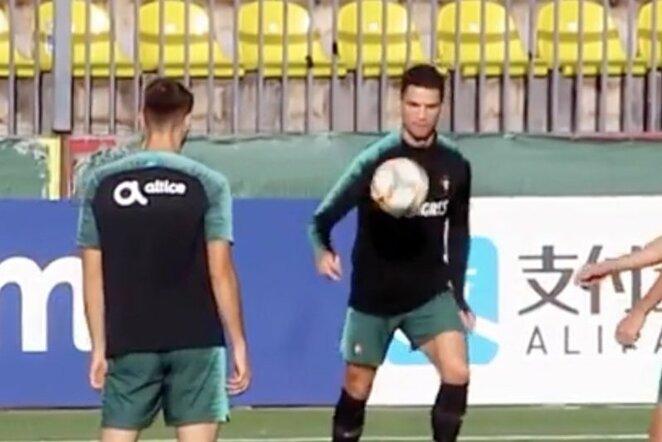 """Cristiano Ronaldo   """"Stop"""" kadras"""