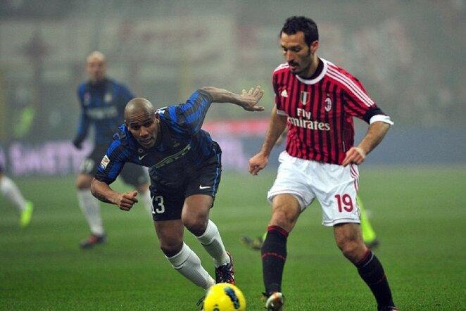 "Gianluca Zambrotta (dešinėje) rungtynėse prieš Milano ""Inter"" | AFP/Scanpix nuotr."