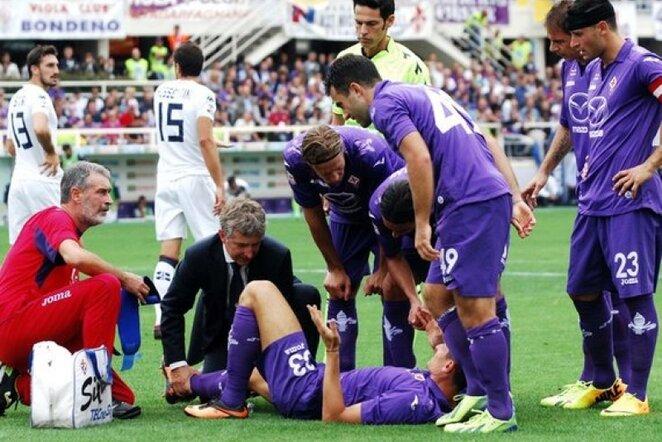 """""""Fiorentina"""" ne tik prarado du taškus, bet traumą patyrė ir Mario Gomezas   LaPresse/Scanpix nuotr."""