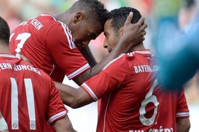 """""""Bayern"""" žaidėjai džiaugias įvarčiu   AFP/Scanpix nuotr."""
