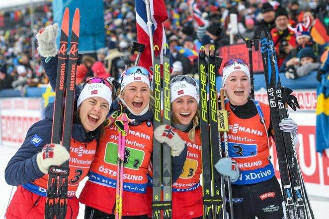 Synnoeve Solemdal, Ingrid Landmark Tandrevold, Tiril Eckhoff ir Marte Olsbu Roeiseland   Scanpix nuotr.