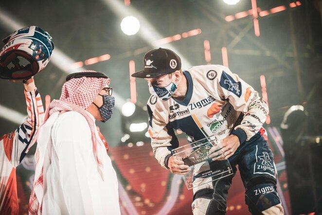 """Arūnas Gelažninkas Dakaro finišo podiume ir apdovanojimuose   """"Zigmas Dakar Team"""" nuotr."""