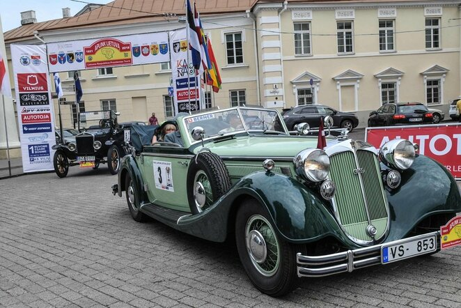 Perlas ralio karūnoje – unikalūs istoriniai automobiliai | Organizatorių nuotr.