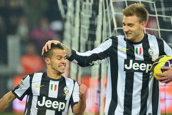 Sebastianas Giovinco (kairėje) ir Nicklasas Bendtneris (dešinėje) | AFP/Scanpix nuotr.