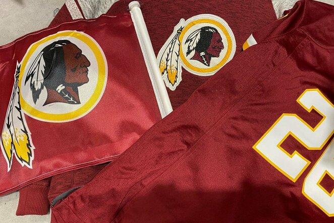 """Vašingtono """"Redskins"""" marškinėliai   Scanpix nuotr."""