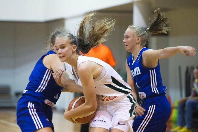Merginų krepšinis | Fotodiena nuotr.