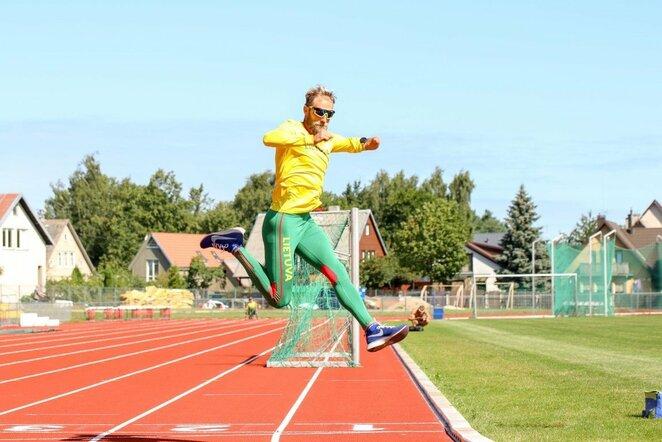 Lietuvos lengvosios atletikos žvaigždėms – paralimpinių atletų iššūkis | Lietuvos paralimpinio komiteto nuotr.