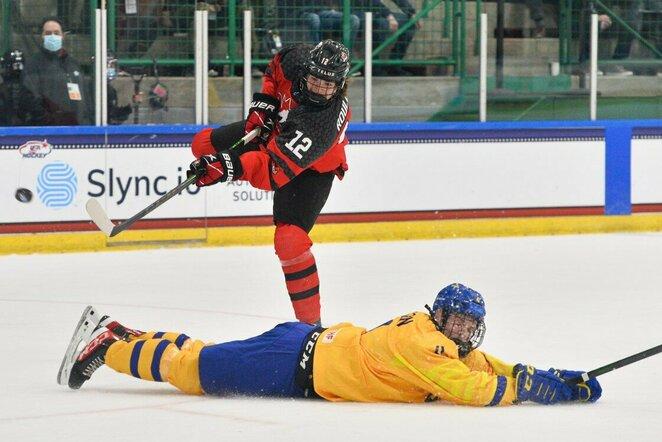 Kanadiečių ir švedų rungtynės | IIHF nuotr.