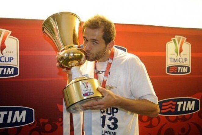 Senadas Luličius džiaugiasi iškovota Italijos taure | LaPresse/Scanpix nuotr.
