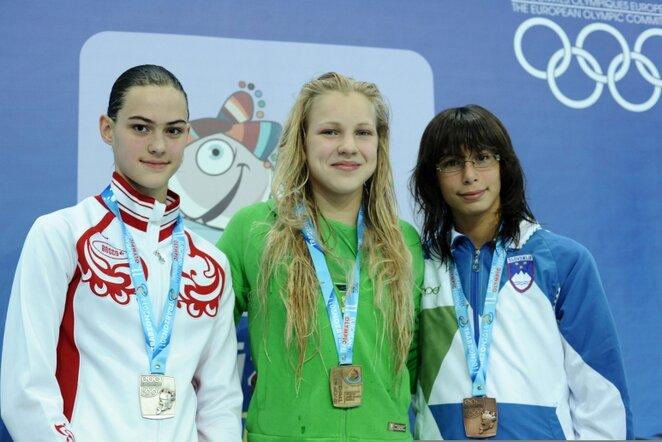 Rūta Meilutytė (viduryje) | Fotodiena/Alfredo Pliadžio nuotr.