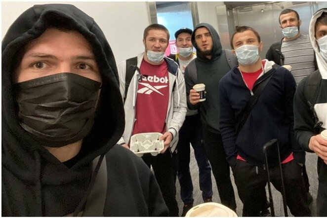 Chabibas Nurmagomedovas su komanda   Instagram.com nuotr