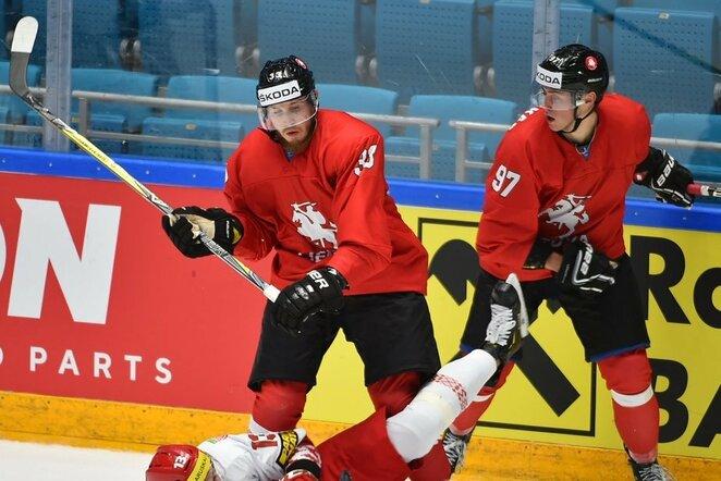 Arnoldas Bosas ir Emilijus Krakauskas | IIHF nuotr.