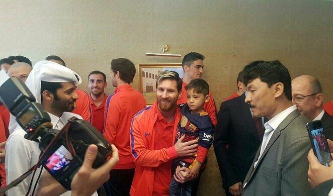Lionelis Messi su mažuoju gerbėju | Scanpix nuotr.
