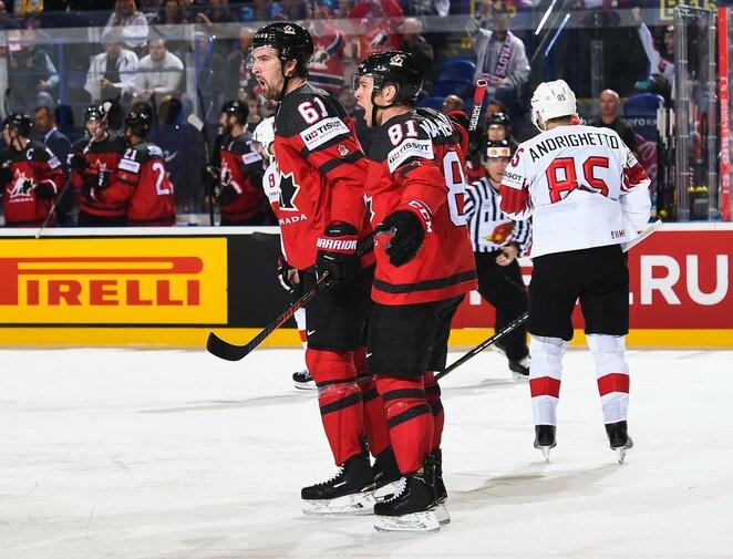 Kanadiečių ir šveicarų rungtynės   IIHF nuotr.