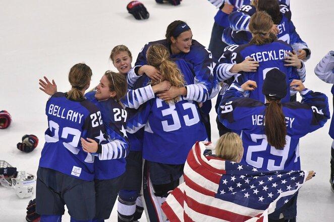 JAV - Kanados moterų rinktinių rungtynių akimirka   Scanpix nuotr.