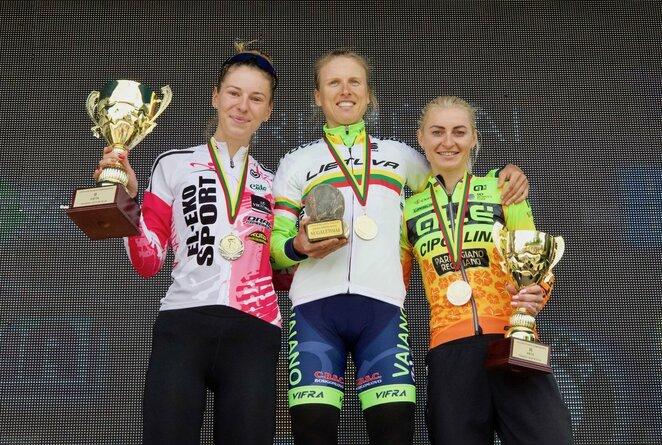 Moterų lenktynių prizininkės | Tomo Gaubio nuotr.